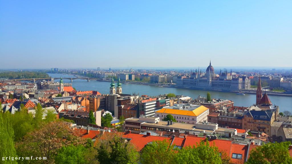 Будапешт на реке Дунай. Здание парламента